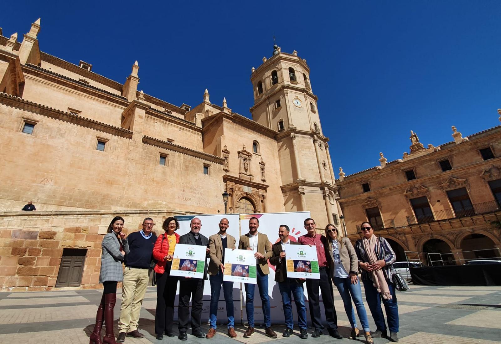 Lorca celebrará el Día de San Patricio con multitud de actividades en calle Corredera y Plaza de España, y la iluminación de color verde de la antigua Colegiata